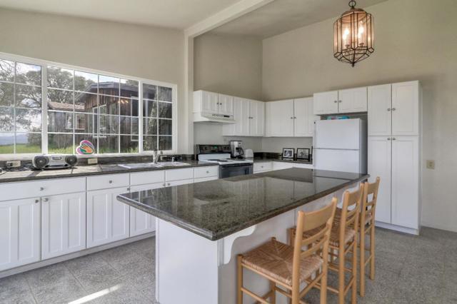 500 El Caminito Road, Carmel Valley CA: http://media.crmls.org/mediaz/7683388E-049B-4506-92B8-72623004FB09.jpg