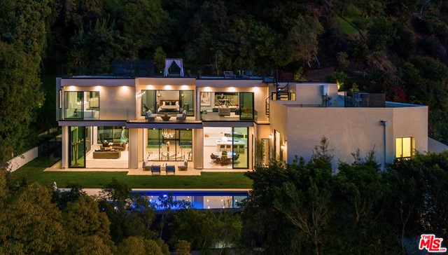 Photo of 9455 READCREST Drive, Beverly Hills, CA 90210