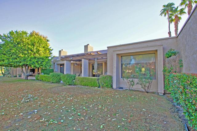 743 Inverness Drive, Rancho Mirage CA: http://media.crmls.org/mediaz/768D927E-A0CC-4EE2-BC63-A3AD4F3837A6.jpg