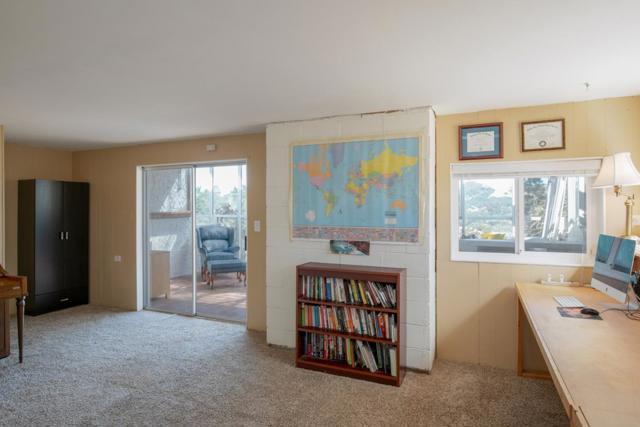 19080 Oak Heights Drive, Salinas CA: http://media.crmls.org/mediaz/76A9108A-199E-4DBD-A524-8C6717DC7955.jpg