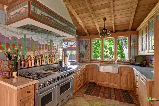 478 W Camino Sur, Palm Springs CA: http://media.crmls.org/mediaz/76ADA791-00B3-47C3-80C5-082A288738AC.jpg