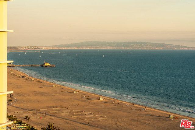 201 OCEAN Avenue, Santa Monica CA: http://media.crmls.org/mediaz/76D7C679-A75A-4569-A1CA-04878CB37479.jpg