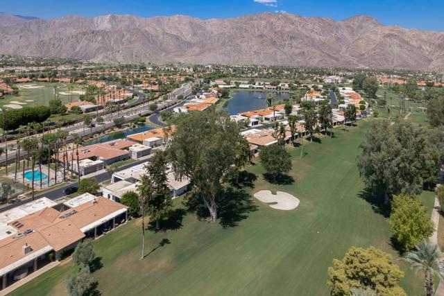78181 Lago Drive, La Quinta CA: http://media.crmls.org/mediaz/76DB88F1-185F-4A5A-BA18-419E0032CBF7.jpg