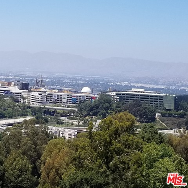 7192 Woodrow Wilson Drive, Los Angeles CA: http://media.crmls.org/mediaz/770F1CAD-9261-4ACF-8FB8-6D30A047BB35.jpg