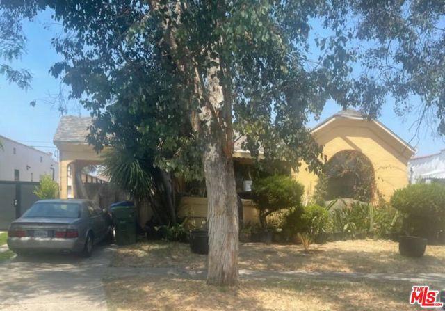 2131 S Orange Drive, Los Angeles CA: http://media.crmls.org/mediaz/77553439-E234-4D51-9F27-2FB1277E24A8.jpg