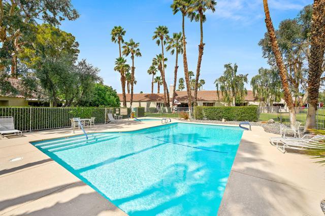 369 Wimbledon Drive, Rancho Mirage CA: http://media.crmls.org/mediaz/7767027B-B356-46E1-91CB-3B803E5746C1.jpg