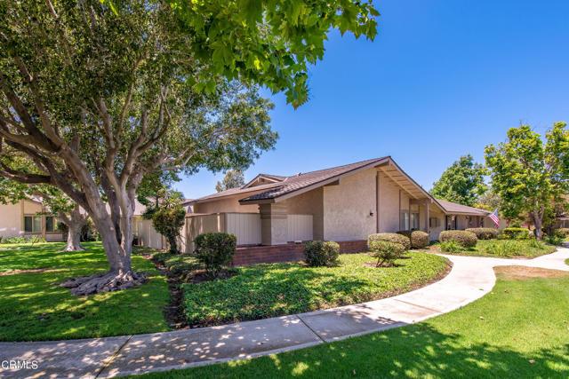 501 Holly Avenue, Oxnard CA: http://media.crmls.org/mediaz/77749288-7955-428C-A424-025029F2CC67.jpg