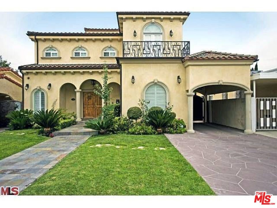 135 N Le Doux Road #  Beverly Hills CA 90211