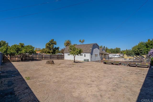 3817 Palm Drive, Bonita CA: http://media.crmls.org/mediaz/7776F887-032F-445B-B303-58984064DD73.jpg