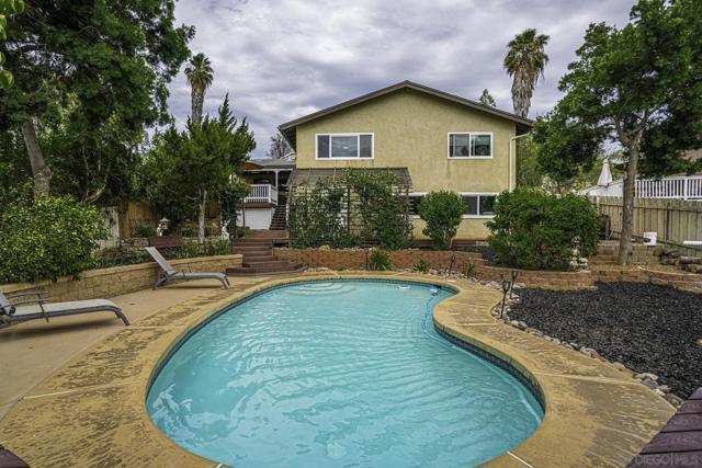 8454 Vista Del Cajon Pl, Lakeside CA: http://media.crmls.org/mediaz/77ac03ac-fc29-4cb8-9ed8-fa1ad4592783.jpg