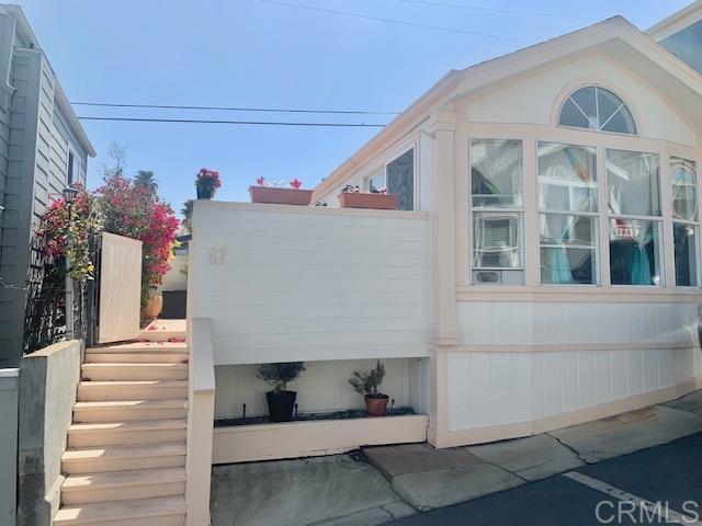 1624 N Coast Hwy 101, Encinitas CA: http://media.crmls.org/mediaz/782DCB56-8EE2-4232-A702-2B954BCFEBBA.jpg