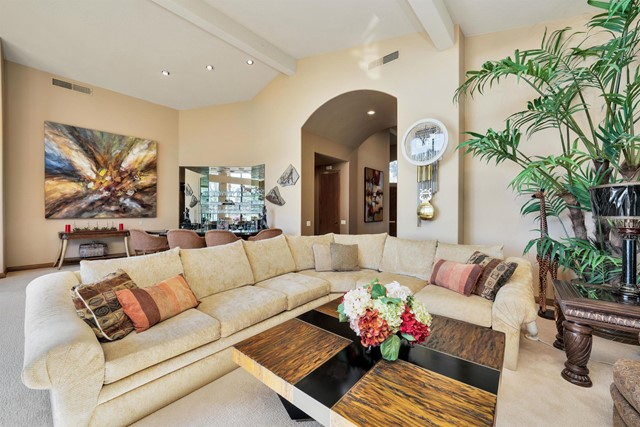 55920 Riviera, La Quinta CA: http://media.crmls.org/mediaz/78422489-F22B-4467-B0DE-5ABDDADEC860.jpg
