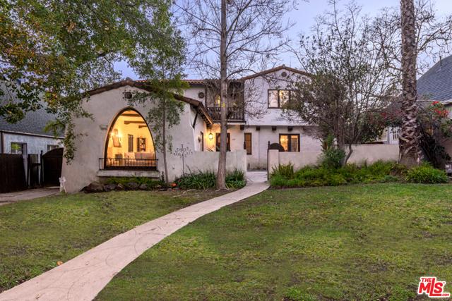 Single Family Home for Sale at 1121 La Zanja Drive Glendale, California 91207 United States