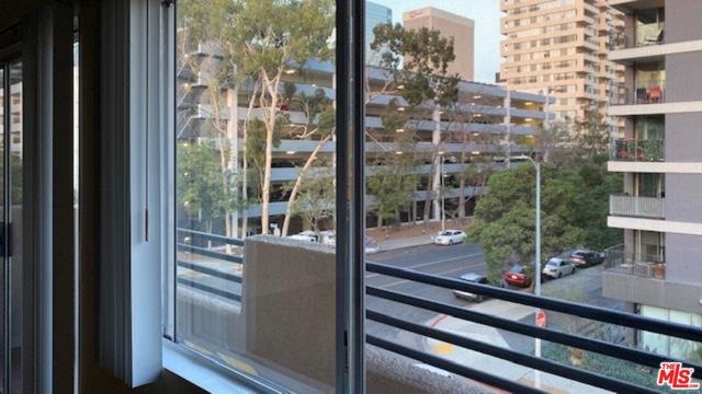 701 S Kingsley Drive, Los Angeles CA: http://media.crmls.org/mediaz/78A32DB9-13CA-45CA-ACD1-DFAD45ABABF7.jpg