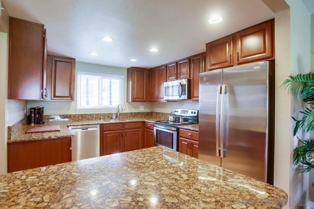 11942 Rancho Bernardo Road, San Diego CA: http://media.crmls.org/mediaz/78CD16FA-364E-4A7C-A8AE-6C7518DFA673.jpg