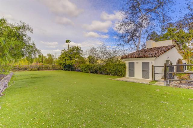 17538 El Vuelo, Rancho Santa Fe CA: http://media.crmls.org/mediaz/78F8E247-3C6A-4DCB-B99E-8FE15CB8D308.jpg