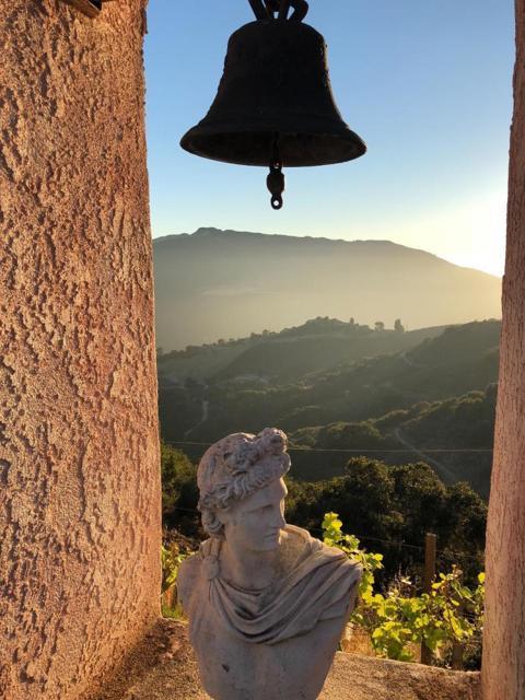 300 Country Club, Carmel Valley CA: http://media.crmls.org/mediaz/794808EE-575E-4C85-982B-063DB8523A48.jpg