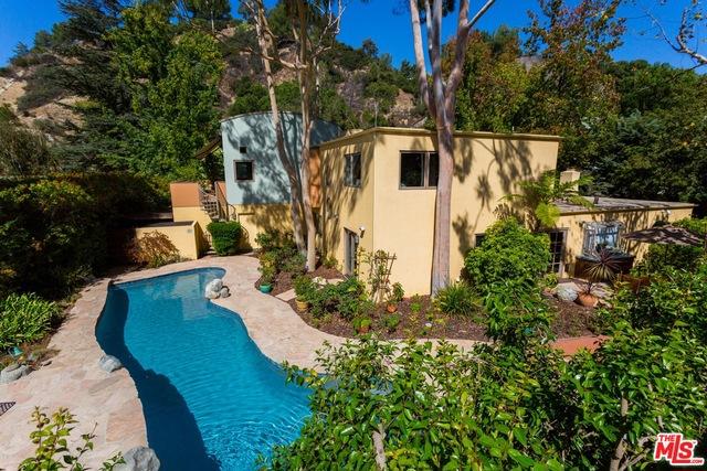 9772 BLANTYRE Drive, Beverly Hills CA: http://media.crmls.org/mediaz/7953648B-FE5E-4B6E-9494-D3E19B0BBA20.jpg