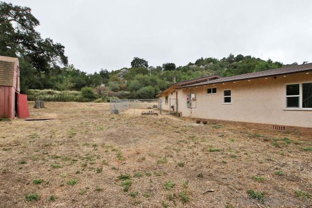 17550 Highway 67, Ramona CA: http://media.crmls.org/mediaz/7970C445-08E3-4C7B-A25A-655A6F2788B6.jpg