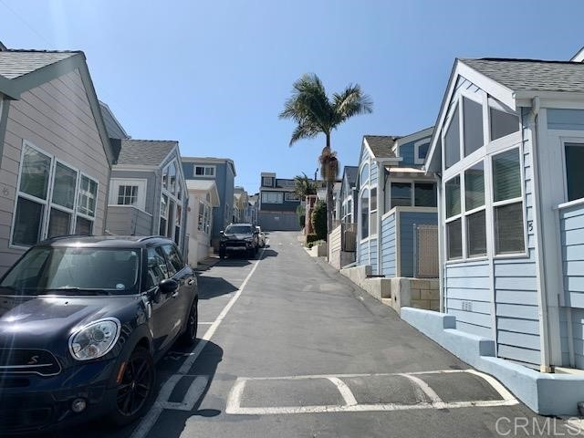 1624 N Coast Hwy 101, Encinitas CA: http://media.crmls.org/mediaz/79979F3F-CAAE-4357-B1AE-3A552B081DAF.jpg
