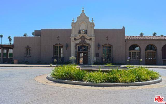 435 Los Feliz, Los Angeles CA: http://media.crmls.org/mediaz/79DBA4AA-F06B-4CE5-9FF4-3D316049BD0A.jpg