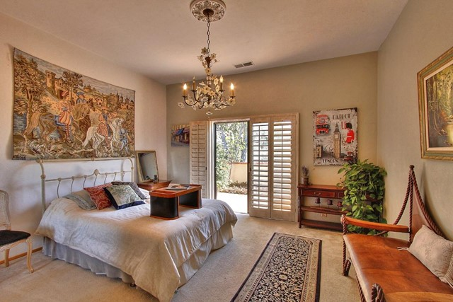 300 Country Club, Carmel Valley CA: http://media.crmls.org/mediaz/79E256F0-8BF6-4964-82BE-9FD719AB0C0B.jpg