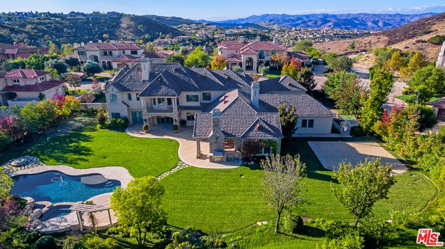 Single Family Home for Rent at 25222 Prado Del Misterio Calabasas, California 91302 United States
