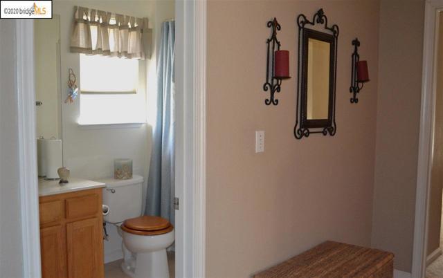1124 Mulberry PL, Brentwood CA: http://media.crmls.org/mediaz/7A442228-F419-427C-AB45-62270B77B3D0.jpg