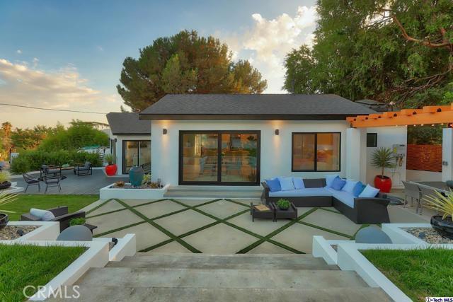 5043 Ramsdell Avenue, La Crescenta CA: http://media.crmls.org/mediaz/7A95494D-73CC-4287-BE35-1CB15FD9E539.jpg