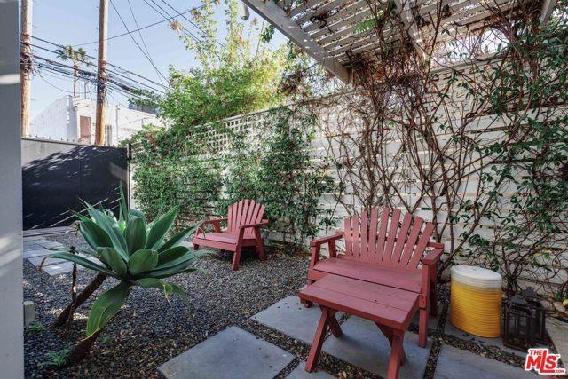 1121 Cabrillo Ave, Venice, CA 90291 photo 27
