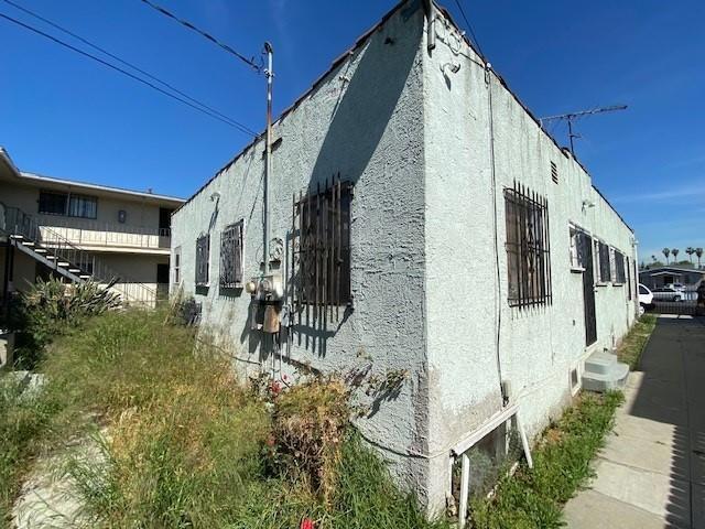 614 W 84th Street, Los Angeles CA: http://media.crmls.org/mediaz/7AF506BE-EF0E-4E3A-810C-16581DBFD15B.jpg