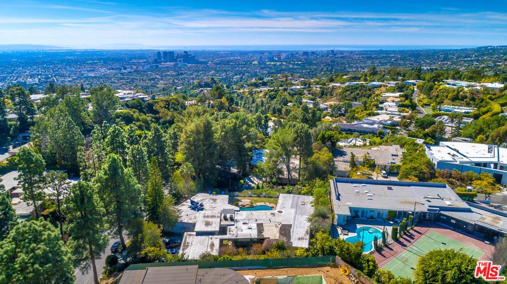 1705 Loma Vista Drive #  Beverly Hills CA 90210