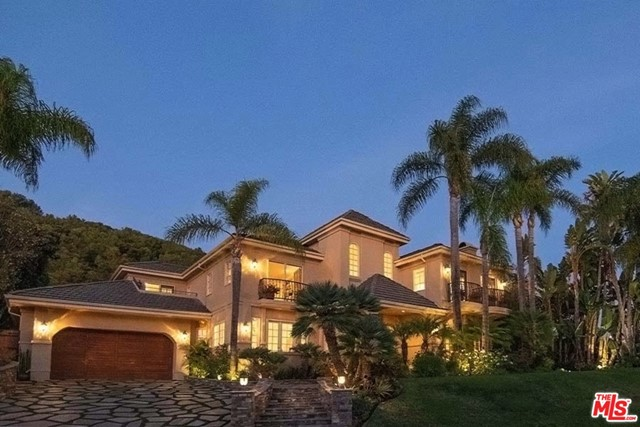 16301 SHADOW MOUNTAIN Dr, Pacific Palisades, CA 90272