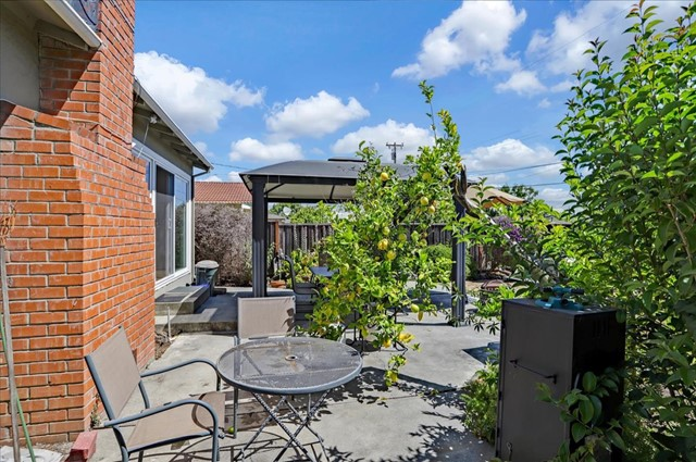 1758 Heron Avenue, Sunnyvale CA: http://media.crmls.org/mediaz/7BB1C328-1C70-4C73-BF1F-4AF28989FA74.jpg