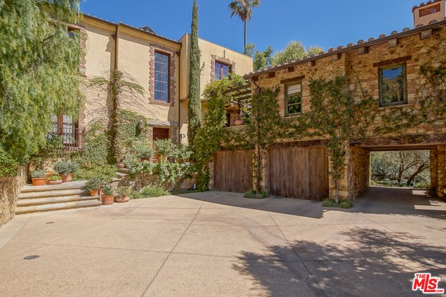 10505 SANDALL Lane, Los Angeles CA 90077