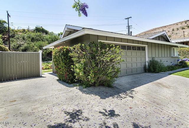 1275 Sunnycrest Avenue, Ventura CA: http://media.crmls.org/mediaz/7BC01D75-AD2A-4346-8CAC-B2CD06F5605E.jpg