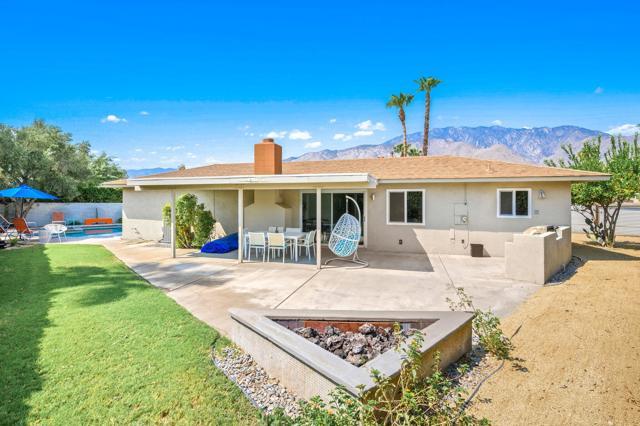 2390 N Aurora Drive, Palm Springs CA: http://media.crmls.org/mediaz/7BE5C30E-CF27-4120-B070-E39D1E4F6FC1.jpg