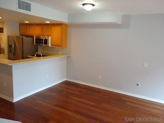 India St, San Diego, California 92101, 2 Bedrooms Bedrooms, ,1 BathroomBathrooms,Single Family Residence,For Sale,India St,210004610