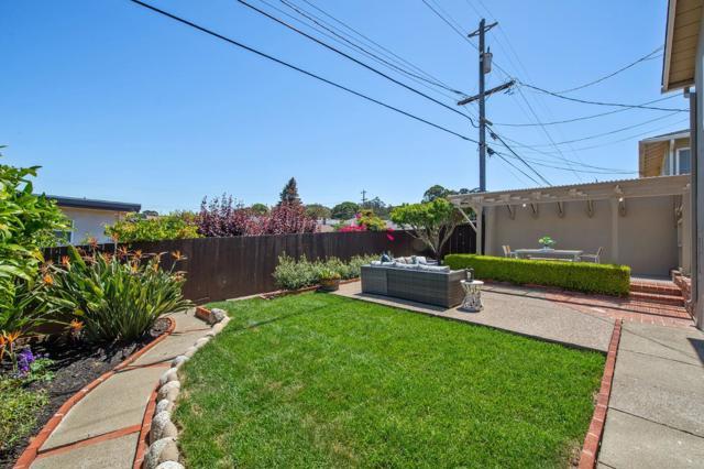 1751 Parkview Drive, San Bruno CA: http://media.crmls.org/mediaz/7C5CCB34-45AA-4763-ACEF-C5735CB338EF.jpg