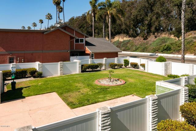 2847 E Harbor Boulevard, Ventura CA: http://media.crmls.org/mediaz/7C7EADFF-1556-428A-9339-240911ED15DF.jpg