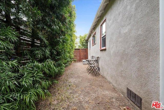 1037 Hill St, Santa Monica, CA 90405 photo 22