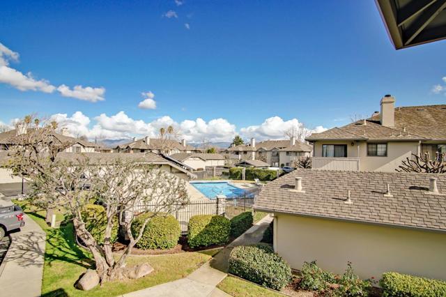 1063 Riker Street, Salinas CA: http://media.crmls.org/mediaz/7CBF4616-D147-4B92-9A88-7585EBDB68A1.jpg