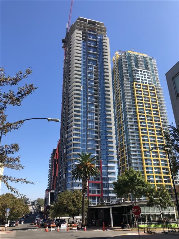 424 15th street, San Diego CA: http://media.crmls.org/mediaz/7CF8AADC-A92D-440F-AB24-BFA75BA8A7C4.jpg