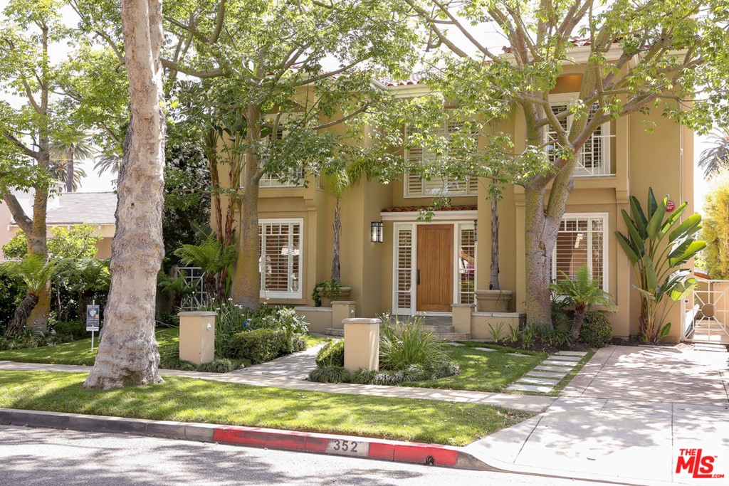 352 S MAPLE Drive #  Beverly Hills CA 90212