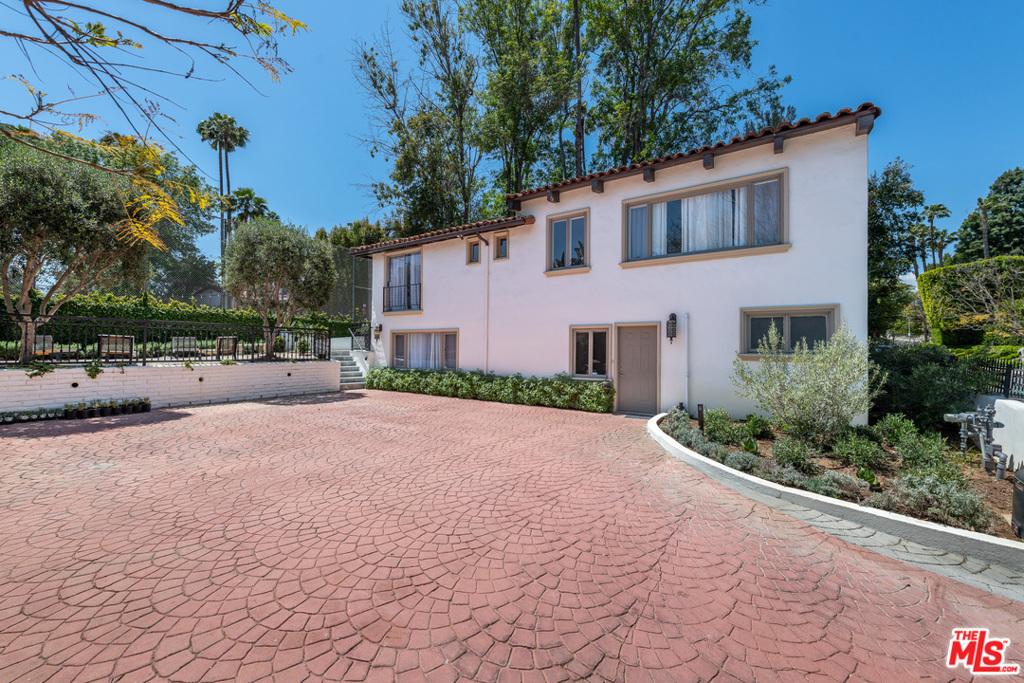 905 Hartford Way Drive #  Beverly Hills CA 90210