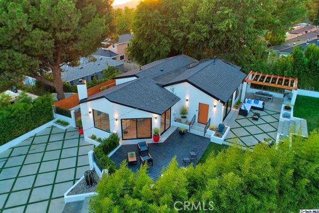 5043 Ramsdell Avenue, La Crescenta CA: http://media.crmls.org/mediaz/7D88C7B2-8D25-4939-9110-4D075831A9A4.jpg