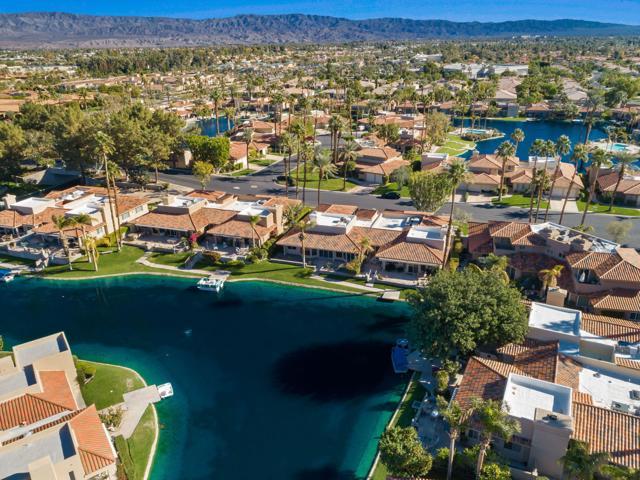 212 Desert Lakes Drive, Rancho Mirage CA: http://media.crmls.org/mediaz/7DAC28BF-3574-4DC6-B124-FE0B31E82B86.jpg
