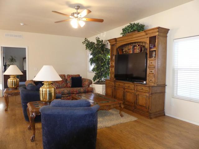 73230 Adobe Springs Drive, Palm Desert CA: http://media.crmls.org/mediaz/7DB644C3-DAB4-4D56-B669-23198774599F.jpg
