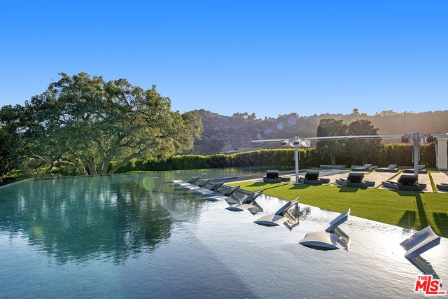 2571 WALLINGFORD Drive, Beverly Hills, California 90210, 12 Bedrooms Bedrooms, ,24 BathroomsBathrooms,Single family residence,For sale,WALLINGFORD,19512408