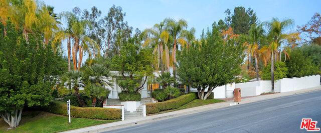 19307 CALADERO Street, Tarzana CA 91356